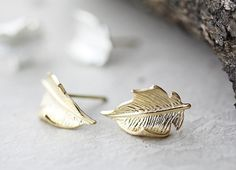Leaf Earrings Post Stud Earrings Antique Classic by authfashion