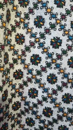 Folk Embroidery, Embroidery Patterns, Ukraine, Projects To Try, Cross Stitch, Arts And Crafts, Traditional, Beads, Sewing
