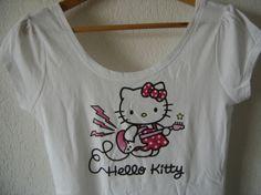 tee-shirt #Hello #Kitty #hellokitty #guitare #electrique 12,00 € http://www.videdressing.com/tops-tee-shirts/h-m/p-2532521.html?utm_source=pinterest&utm_medium=pinterest_share&utm_campaign=FR_Femme_V%C3%AAtements_Hauts_2532521_pinterest_share
