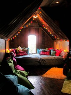 Christmas Lights in Bedroom-18-1 Kindesign