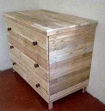 Commode en bois de récupération