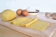 Pasta fresca all'uovo, scopri la ricetta: http://www.misya.info/2008/11/27/pasta-fresca-alluovo.htm
