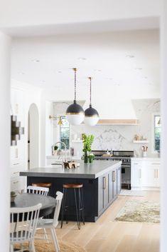 bright / open kitchen design