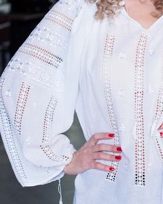 The delicate embroidery, made by hand with white glowing silk blends perfectly with the subtle transparency of fine cotton fabric, on this ethnic top. Folk Embroidery, Hand Embroidery Stitches, Embroidery Dress, Crochet Summer Tops, Pakistani Dresses, Sewing Hacks, Cotton Fabric, My Style, Blouse