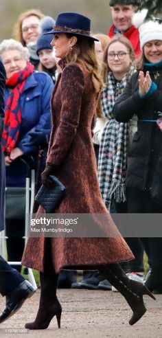 Kate Middleton amd Prince William have surprised fans by stepping out to attend church in Sandringham, and the Duchess if Cambridge is wearing a fedora hat! Kate Middleton Twins, Carole Middleton, Duchess Kate, Duke And Duchess, Duchess Of Cambridge, Princess Kate, Princess Charlotte, Purple Suits, Kate And Meghan
