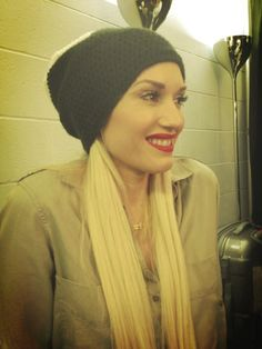 gwen stefani.. makeup.. simple chic..