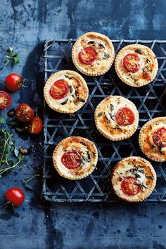 These Mini Cheese and Tomato Tartlets from Annabel Karmel are perfect for a picnic or lunchbox. As pretty as they are delicious, they could even be served at a dinner party. Tomato Pie, Tomato And Cheese, Tomato Tart Recipe, Savory Pastry, Savory Tart, Canapes Recipes, Tart Recipes, Mini Tartlets, Christmas Canapes