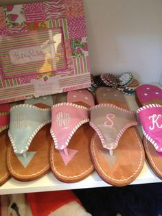 I'm not a fan of Jack Rogers but these are cute!