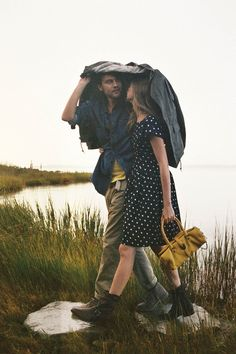 Prim and Rustic, a wonderful pair. This photo is just precious. I want something like this. :)