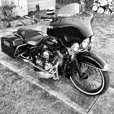 "This week's theme : Black & White ===================== Tag #hdtabbandw for a chance to be featured. ===================== Follow & Tag ""HD Tourers and Baggers"" on Instagram Facebook Twitter & across the Web. ===================== #hdtourersandbaggers  ===================== Credit to @63problems Original photo edited using the""inkwell"" IG filter. ===================== #instamotogallery #motorcycles #harleydavidson #roadkingclassic #roadking #roadglide #streetglide #softail #showoffmyharley…"