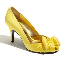 yellow peep toe pumps  http://rstyle.me/n/e2abipdpe