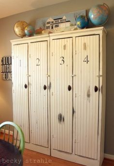 Vintage+mudrooms | love this mudroom...especially the lockers with doors!