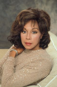 Pictures of Diahann Carroll, Picture - Pictures Of Celebrities Black Actresses, Black Actors, Female Actresses, Female Celebrities, Classic Beauty, Timeless Beauty, Iconic Beauty, Dianne Carroll, Jacqueline De Ribes