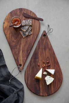 Welcome to Stuff Design and our extensive range of wood, stone & leather design products. All products are designed exclusively by Stuff Design. Diy Wooden Projects, Wooden Crafts, Wooden Diy, Art Projects, Wood Chopping Board, Wood Cutting Boards, Diy Holz, Wood Creations, Diy Home Crafts