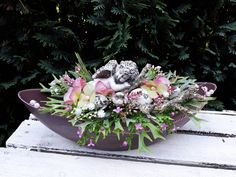 Deco Floral, Floral Design, Grave Decorations, Flower Arrangements Simple, Funeral Flowers, Ikebana, Bouquet, Plants, Christmas