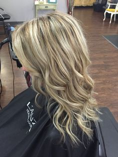 Two tone blonde w/lowlights for depth