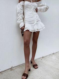 Cute Summer Outfits, Cute Outfits, Vintage Mode, Fashion Beauty, Fashion Tips, Shorts, Ladies Dress Design, Ruffle Dress, Vintage Fashion