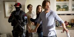 USA Network is betting on some old island magic. The network on Tuesday gave a order to Colony, a new alien-invasion drama that will re-team Lost star Josh Holloway and executive producer Carlton Cuse — along with The Walking Dead's Sarah Wayne Callies. Sarah Wayne Callies, Josh Holloway, Colony Tv Show, Trop Top, Fantasy Tv Shows, Netflix, Rap Video, Johnny Carson, Sci Fi Shows