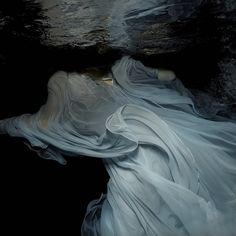 Enchantingly Ethereal Underwater Portraits by Gabriele Viertel - My Modern Met