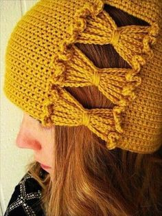 Inspired by cloche hats that feature intriguing side detail, Francie's Hat has a panel of ruffled crochet chain-stitch bows that are worked at the same time as the body of the crochet hat.The best crochet hat that makes you outstanding 9 diy croche Diy Tricot Crochet, Crochet Chain Stitch, Bonnet Crochet, Mode Crochet, Crochet Beanie, Crochet Scarves, Crochet Crafts, Crochet Stitches, Crochet Projects