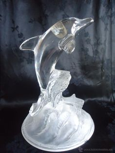 FIGURA DELFIN CRISTAL D ARQUES, ESTILO LALIQUE FRANCES Glass Animals, Dolphins, The Incredibles, Bottle, How To Make, Stuff To Buy, Vintage, Disney, Crystals