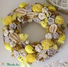 Meska - Sárga tavaszi, húsvéti KOPOGTATÓ, ajtódísz, koszorú Weddingland kézművestől  wreath