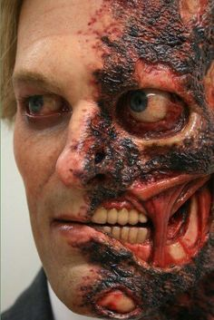 Harvey Dent by Jordu Schell gory halloween special fx makeup Makeup Fx, Movie Makeup, Scary Makeup, Cartoon Makeup, Awesome Makeup, Special Makeup, Special Effects Makeup, Zombies, Costume Manga