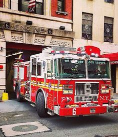 FDNY Firefighter Love, Volunteer Firefighter, Fire Dept, Fire Department, Cool Fire, Rescue Vehicles, Fire Equipment, Firetruck, Fire Apparatus