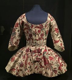 Susan reporting, I'm deep in the middle of final copy edits, so this will be a quick - but very beautiful! This woman's jacket. 18th Century Dress, 18th Century Costume, 18th Century Clothing, 18th Century Fashion, Historical Costume, Historical Clothing, Historical Fiction, Bodies, Jackets For Women