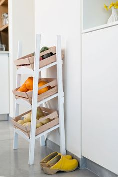 Want in my kitchen Home Organization, Organizing, Kitchen Inspiration, Tvs, Kitchen Storage, Storage Ideas, Shoe Rack, Kitchens, Sweet Home