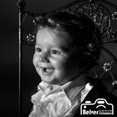 ¿Hay algo más bonito que la mirada de un niño?  Ven con nosotros y quédate con un recuerdo inolvidable de tus pequeños.   ¡TE ESPERAMOS! ¡Contacta con nosotros!  #fotografía #fotoestudio #Sevilla #fotógrafo #fotoSevilla