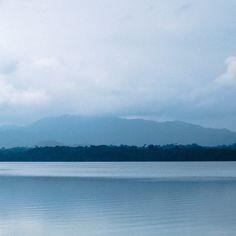Laguna de Lachuá. #guatemala #guatemalaphotostock #paisaje #landscape #landscapephotography #naturegram #soyinstagramer #instadaily #instagrammersgt #wandering #wanderlust #wanderfolk #wanderland #instagood #lagunadelachuá #coban #altaverapaz #adventure #aventura