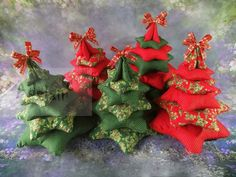 Vánoční stromeček z látky velký | Adelain Marsala, Christmas Wreaths, Holiday Decor, Handmade, Home Decor, Self, Hand Made, Decoration Home, Room Decor