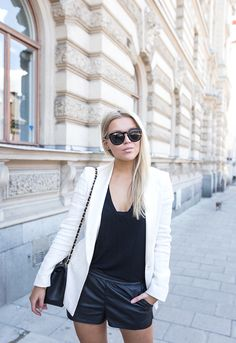 white-blazer-chanel-4