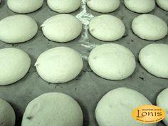 Μπεζέδες μαστίχα - Ζαχαροπλαστείο Lonis - www.lonis.gr Eggs, Food, Essen, Egg, Meals, Yemek, Egg As Food, Eten