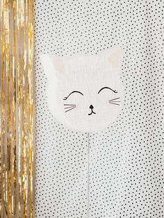 So we're all in agreement that the Kitty party planned by Ha Truong is just about the most adorable thing EVER, yes? She'll be sharing lots of tutorials on her blog but we're excited to share one of them here this afternoon, too! This super sweet kitty piñata uses strings to open the treat door, …