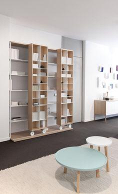 Literatura Open by Punt and designed by Vincent Martinez Bookshelf Design, Bookcase Shelves, Storage Shelves, Bookcases, Cool Furniture, Furniture Design, Etagere Design, Shelving Systems, Cabinet Design