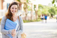 Ein Wechsel des Wohnorts, Unzufriedenheit mit Uni oder Hochschule, Veränderungen im privaten Bereiche oder die Aussicht auf einen Werkstudentenvertrag… die Liste der Gründe für einen Studienplatzwechsel ist lang. Theoretisch ist der Wechsel von einer Universität …