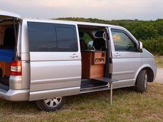 Kit West sur Multivan T5 et T6. Van Mania vous propose 4 kits d'aménagement pour transformer votre fourgon en véhicule de loisir.