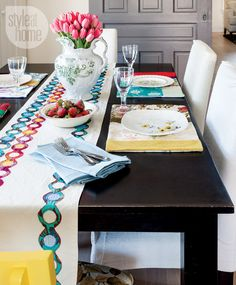 Colourful tabletop {PHOTO: Donna Griffith}