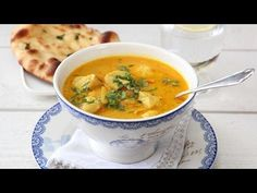 Da jeg for et par dager siden ble spurt om jeg ville være med i God Morgen Norge og lage mat med Wenche mandag morgen, var det denne smaksrike… Wine Recipes, Indian Food Recipes, Soup Recipes, Cooking Recipes, Ethnic Recipes, Food Plus, Food To Make, Clean Eating, Curry
