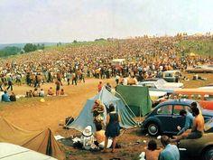 Never Before Seen Images Of Woodstock 1969 | Buzzamin