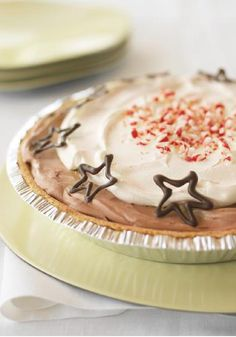 Peppermint-Chocolate Pudding Pie – Peppermint paired with chocolate is always a winning combination—as it is in this easy, luscious no-bake pudding pie.