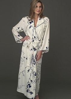 ce4609e63f Julianna Rae offers the epitome of taste and quality in luxury sleepwear  for women. Our women s silk sleepwear will make any woman feel elegant and  special.