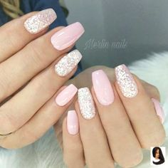 Your graduation nails will be the most outstanding at a party with the help of our tips. All your school girlfriends will envy your sophisticated manicure and ask you how you got inspired. In order to help you to choose the right prom nails, we have Blush Pink Nails, Pink Gel Nails, Cute Pink Nails, Pink Nail Art, Cute Acrylic Nails, Glitter Nail Art, Acrylic Nail Designs, Red Nail, Pink Glitter
