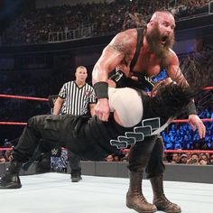 Roman Reigns vs. Braun Strowman: photos