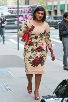 Pin for Later: Mindy Kaling Found the Most Flattering Floral Dress in All the Land Mindy Wearing a Dolce & Gabbana Dress on the Street in 2015