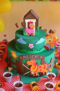 Bolo EVA .. Festa de aniversario .. Tema: Cocorico para meninas.. ❤