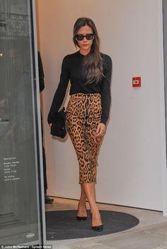 Miranda Kerr sports monochrome ensemble as she heads to her ...