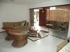 Localização privilegiada em condomínio frente à Lagoa Timeantube.  Veja mais aqui - http://www.imoveisbrasilbahia.com.br/praia-do-forte-belissimo-apartamento-com-2-suites-a-venda